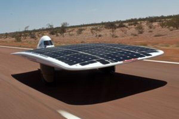 Sunswift IVy je v Guinnessovej knihe zapísaný ako najrýchlejšie vozidlo na slnečný pohon.
