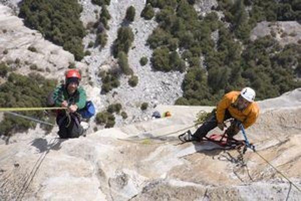 Sean a Timmy. Dvaja bratia spolu za sedem dní vyliezli na tisíc metrov vysokú skalu El Capitan.