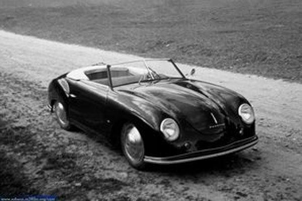 Porsche 356, ktorý vyvinul Porscheho syn Ferry, bol prvým vozidlom značky Porsche.