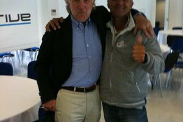 Šéf Prodrive David Richards (vľavo) sa stretol po testovaní s Igorom Drotárom.