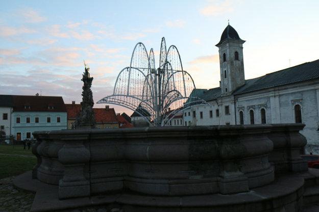Konštrukcia na barokovej fontáne v Kremnici.