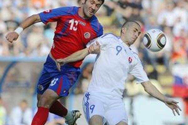 Súboj. Stanislav Šesták (vpravo) vie, že na MS ho čaká množstvo atakov.