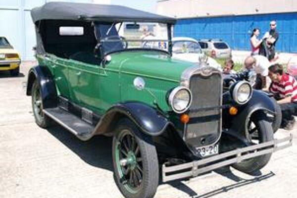 Chevrolet z roku 1928. Tento chevrolet bol najstarším vozidlom, ktoré absolvovalo cestu z Hejce do Košíc a späť.