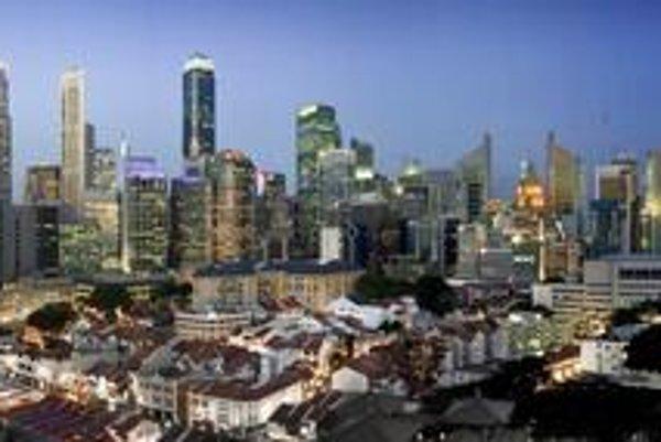 Panoráma mestského štátu Singapur. Podtext: V Singapure je 49 mrakodrapov, ktorých výška je 140 metrov a viac.