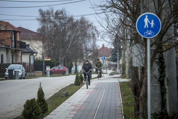 Slovensko-maďarská cezhraničná spolupráca priniesla juhu množstvo cyklotrás.