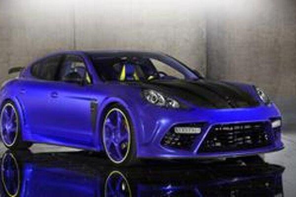 Porsche Panamera v úprave Mansory. Panamera, upravená firmou Mansory, má výkon 4,8-litrového motora zvýšený na 507 kW.