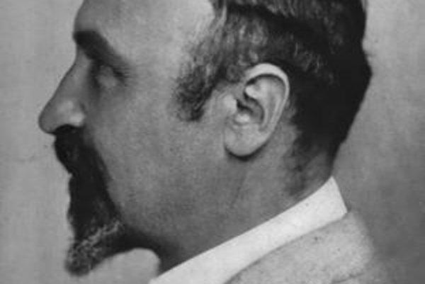 Leo Hendrik Baekeland. Baekeland dal meno bakelitu, ktorý je považovaný za prvú plastickú hmotu.