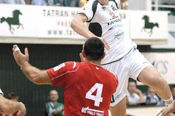 Dajnis Kristopans nasúkal Hamburgu sedem gólov.