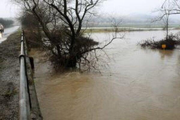 Rieky v južnej časti východného Slovenska sú opäť vyliate.