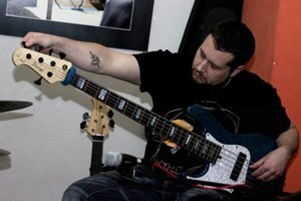Vynikajúci gitarista Oskar Rózsa sa s projektom Partnership Unlimited predstaví dnes v Prešove.