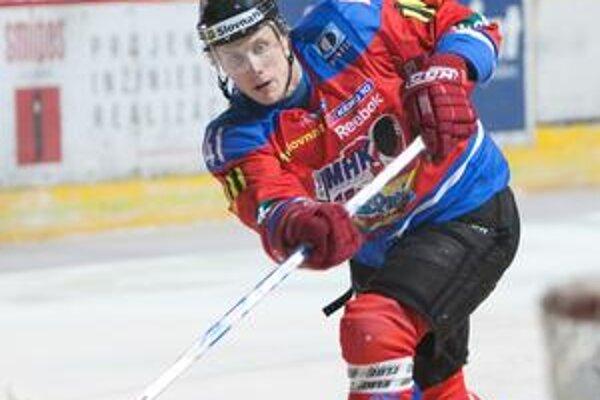 Líder. V kanadskom bodovaní je spomedzi hráčov Mikuláša Marek Bartánus najvyššie.