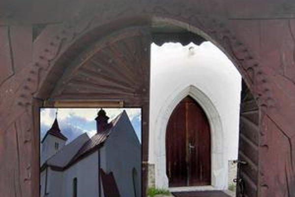 Vyšné Repaše. Drevená vstupná brána do areálu kostola, západný portál kostola a celkový pohľad na kostol od juhovýchodu.