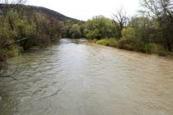 Viaceré rieky na východe dosiahli stupne povodňovej aktivity. Je medzi nimi aj Hornád.