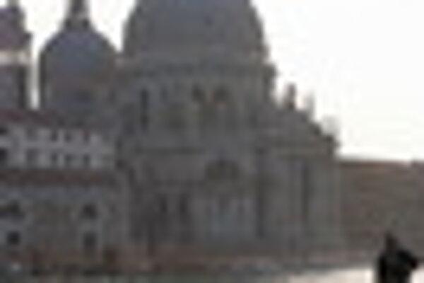 Pre jedinečnú príťažlivosť vybrali Benátky, aby v nich usporiadali prvý medzinárodný filmový festival.