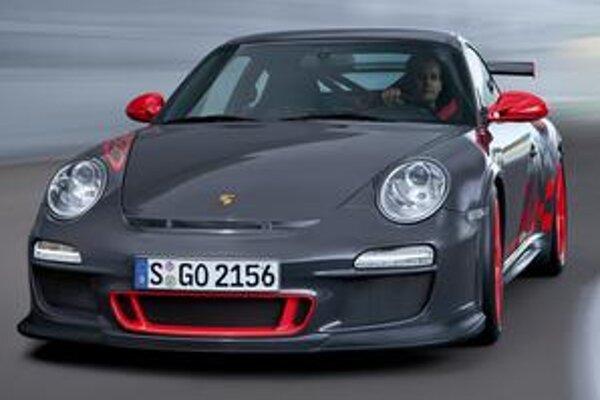 Porsche 911 GT3 RS. Tento model slúži na homologizáciu pretekárskej verzie