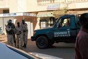 Ozbrojenci zaútočili na hotel v metropole Mali Bamako minulý piatok.