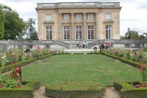 Palác Veľký Trianon vo Versailles.