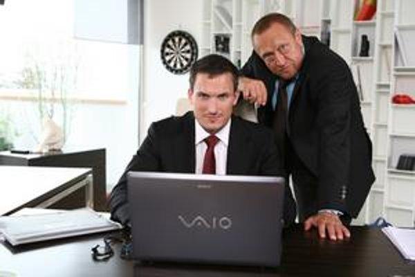Seriálový developer. Jano priznáva, že v skutočnosti na takúto prácu nie je dosť zodpovedný.