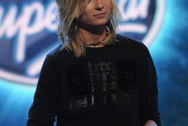 Miro exceloval. Blonďavému rockerovi sa v piatok vystúpenie vydarilo.