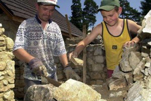 Ľudia v štyroch obciach by mali k stavebnej agende mať bližšie.
