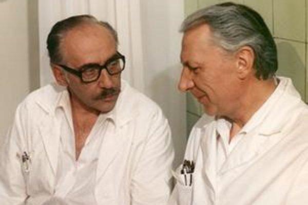 Doktor Štrosmayer. V úlohe vtipného lekára si ho navždy zapamätajú milovníci seriálu Nemocnica na okraji mesta.