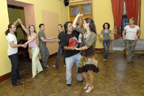 Lucia & Jose Garcia.