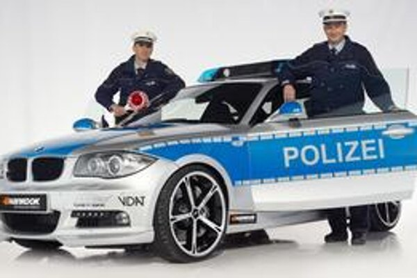 Vozidlo ACS1 2.3d. Toto predvádzacie policajné vozidlo upravila firma AC Schnitzer z modelu BMW 123d.