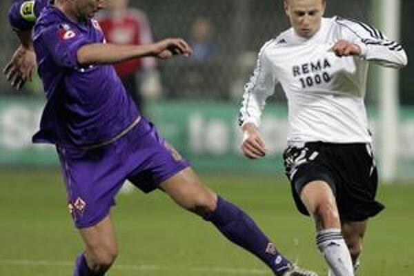 Bojovník. Marek Sapara (vpravo) sa ukázal ako hráč, ktorý ide naplno až do konca.