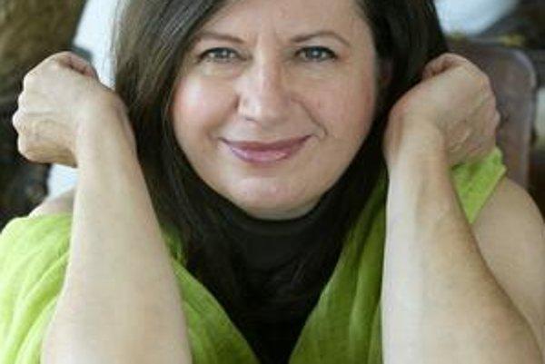 Zuzka Kronerová. Vynikajúca herečka má v Čechách jednu rolu za druhou.