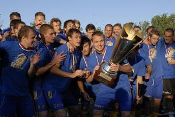 Košičania zvládli aj finálový zápas a zaslúžene sa tešia z trofeje.
