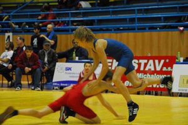 Najlepšie umiestnenie spomedzi kadetov Lokomotívy vybojoval na turnaji Peter Janica. Na snímke v hornej pozícii.