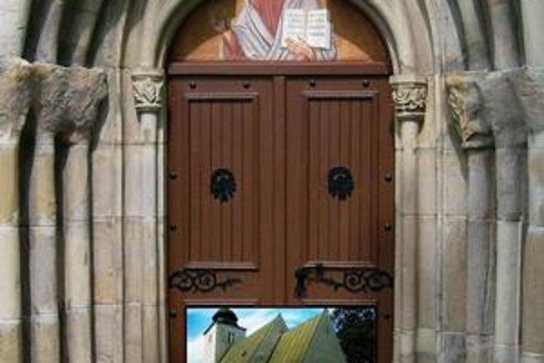 Kostol v Krížovej Vsi. Južný portál a pohľad na kostol od juhovýchodu.