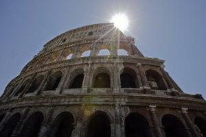V okolí Kolosea je sprísnená bezpečnosť.