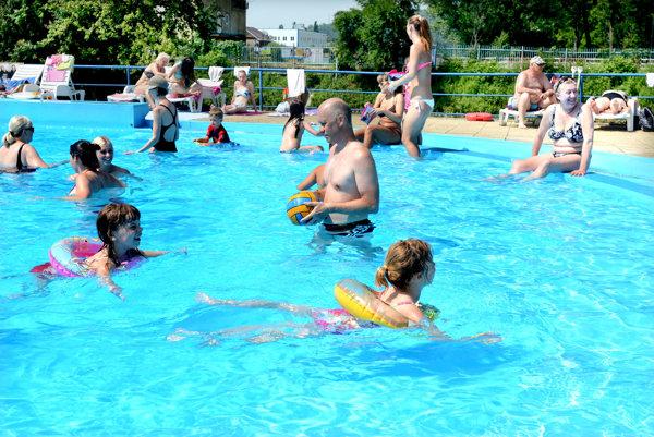 Vyberajte plavky, ale... Slnečných lúčov na kúpanie bude dostatok, víkendy však budú chladnejšie adaždivejšie.