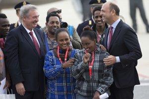Skupina Eritrejčanov pozostávala zo 14 mužov a piatich žien.