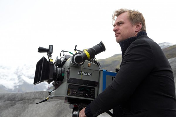 Christopher Nolan pri nakrúcaní filmu Interstellar.