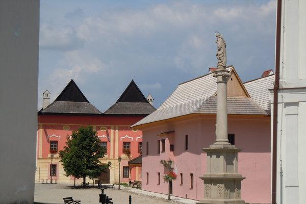 Mariánsky stĺp. Stojí na námestí vSpišskej Sobote.