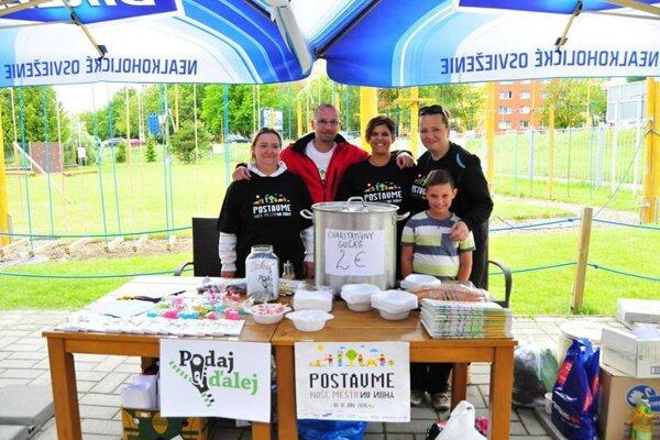 Akcia Naše mesto. Pomáhali iPrešovské noviny, zorganizovali pre Podaj ďalej zbierku potravín.