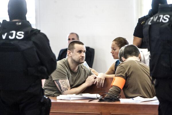 Juraj Ondrejčák alias Piťo počas pojednávania na Špecializovanom trestnom súde v Pezinku.