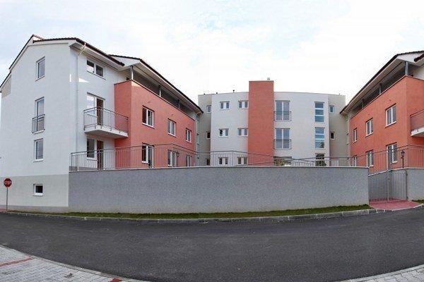 Z celého komplexu si nájomný charakter zachovali iba štyri byty.