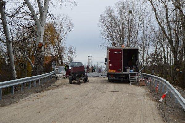 Most uzavreli pred trištvrte rokom.