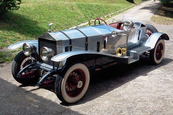 Jednou z lahôdok zrazu bude Rolls Royce zroku 1926.