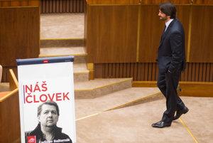 Minister Kaliňák čelil kvôli kauze Bašternák odvolávaniu.