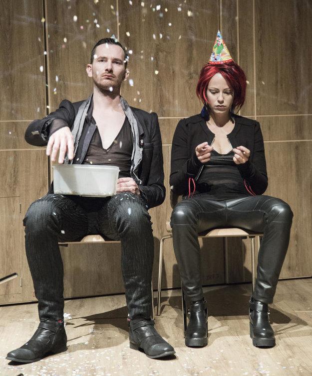 Barbora Andrešičová s Jukubom Rybárikom v dvojhre Hamlet je mŕtvy - Faust je hladný.