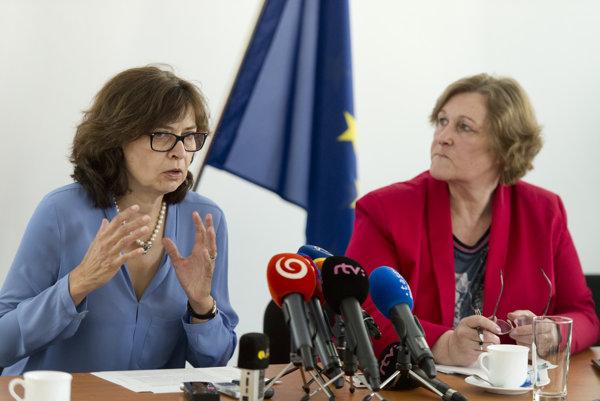 Lucia Žitňanská (vľavo) a Jana Dubovcová.