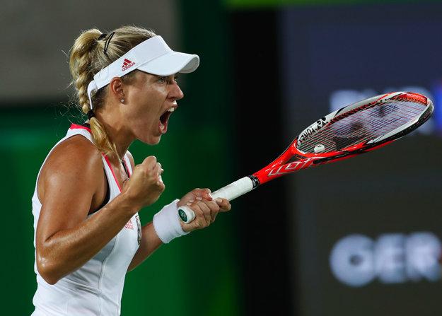 Kerberová vo finále bojovala, napokon tretí set jasne prehrala.