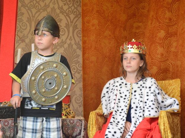 Atrakcie pre deti. Všetci si mohli vyskúšať, aké je tobyť rytierom či kráľovnou.
