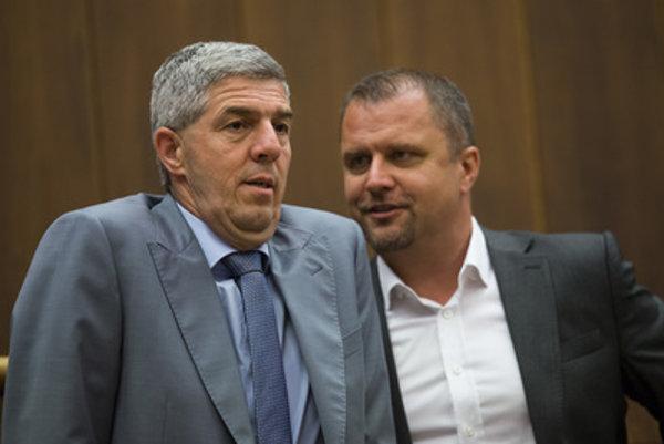 Podpredsedovi parlamentu Andrejovi Hrnčiarovi dal vo voľbách 2012 šancu Béla Bugár, o štyri roky neskôr sa k nemu zrejme vráti.