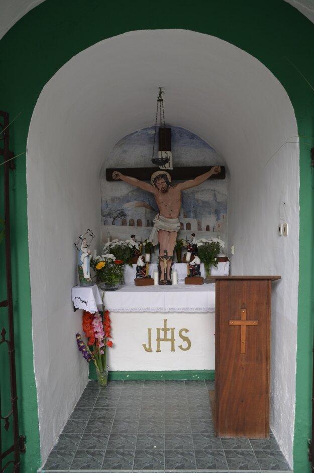 Interiér kaplnky. V minulosti sa v nej modlili baníci.
