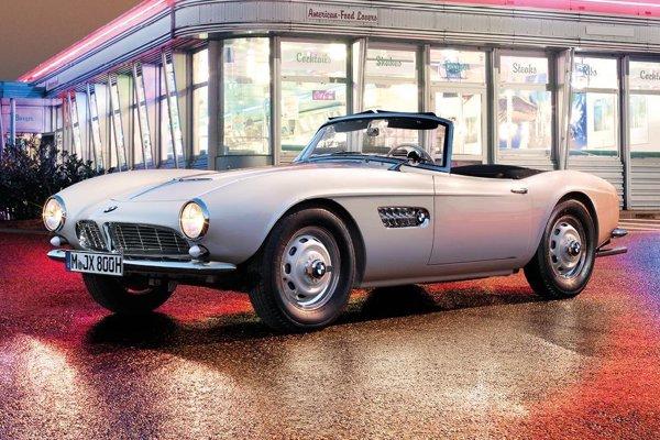 Zreštaurovaný roadster BMW 507 Elvisa Presleyho.